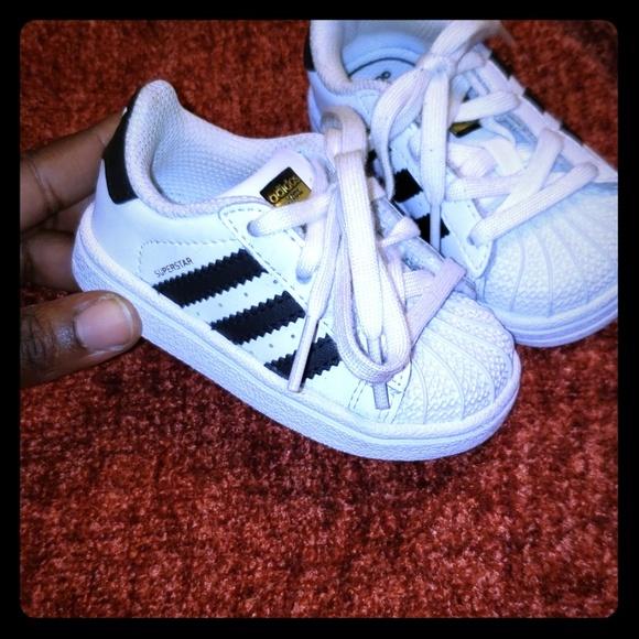 brand new 906cb c8e34 Toddler shell toe Adidas